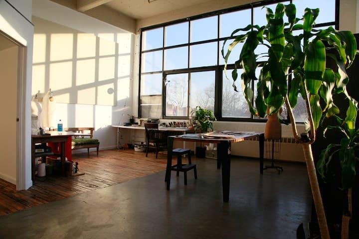 Peaceful Room in Sunny Loft - Brooklyn - Apartament