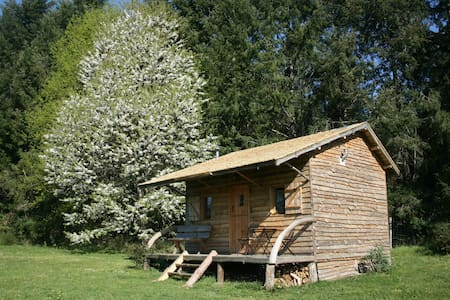 Cerise, Bellessise private, peaceful wooden cabin.