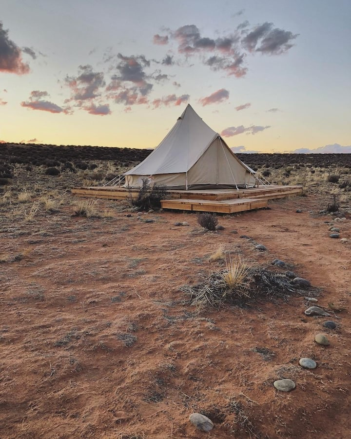 Bell Tent 1 Glamping at Shash Dine'