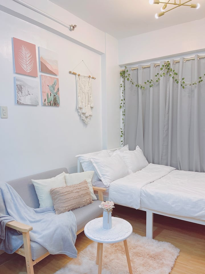 Fresh & Cozy Studio in Valenzuela | Wifi | Netflix