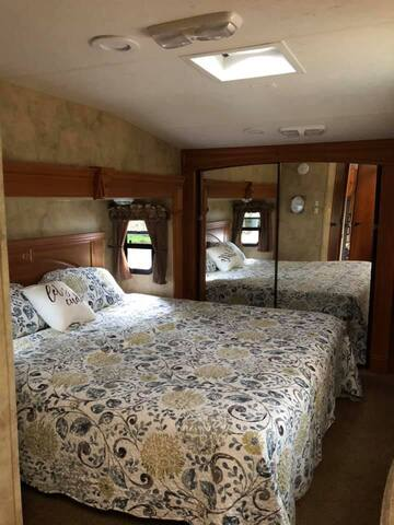King Size bedroom with large mirror closet