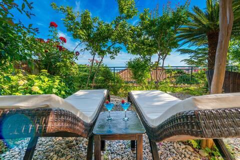 Villa Magnolia   SeaView Studio with lounge garden