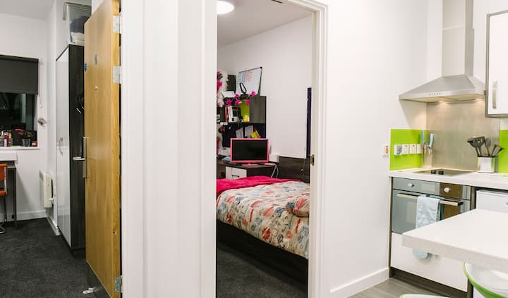 Student Only Property: Spotless Premium Range 1 Two Bedroom Flat - LOS 12 months 10% off