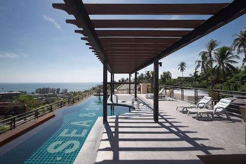 Amazing ocean view condominium