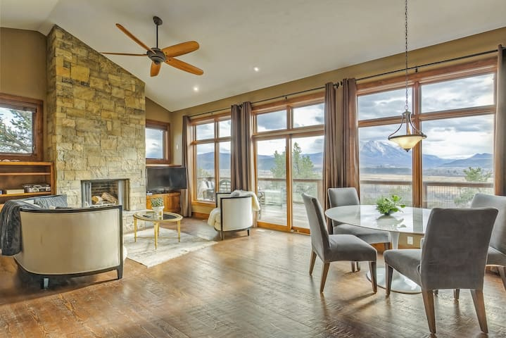Mountain Chalet in Carbondale with Views of Sopris