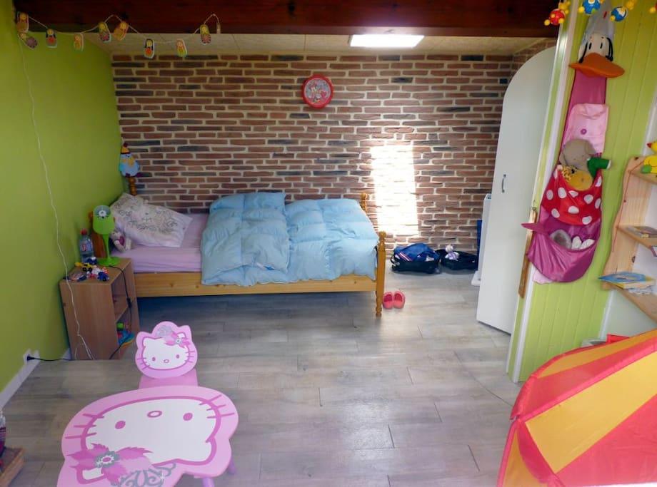 chambre enfant / ajout canapé lit possible