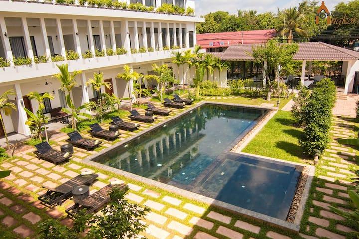 Twin Bed & Breakfast with Garden, Free Pick Up - Krong Siem Reap - Bed & Breakfast