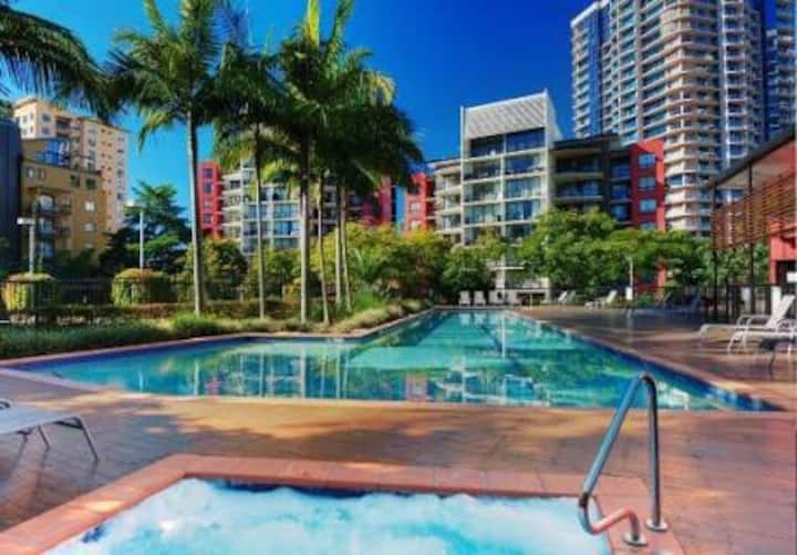 Tropical Oasis in Kangaroo Point