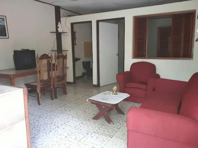 APARTAMENTOS FREEMAN (apartamentos)