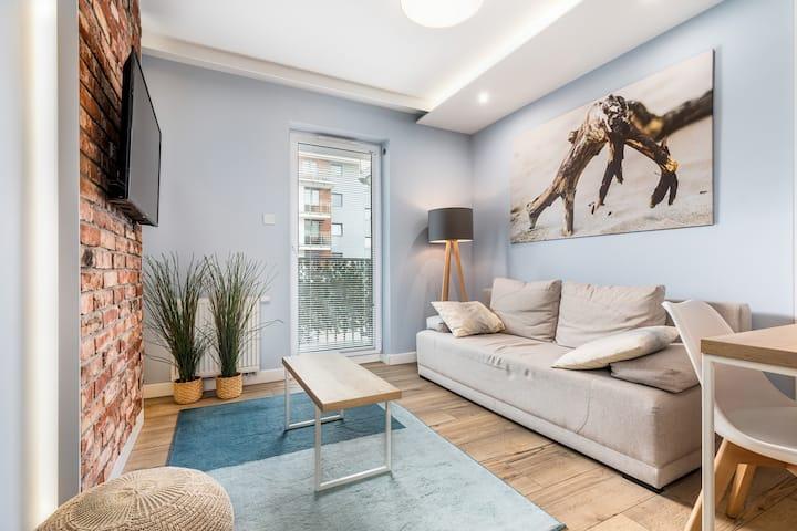 Apartment with balcony | Os Bursztynowe III B10