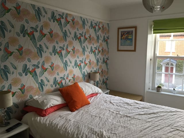 Double room walking distance to town centre