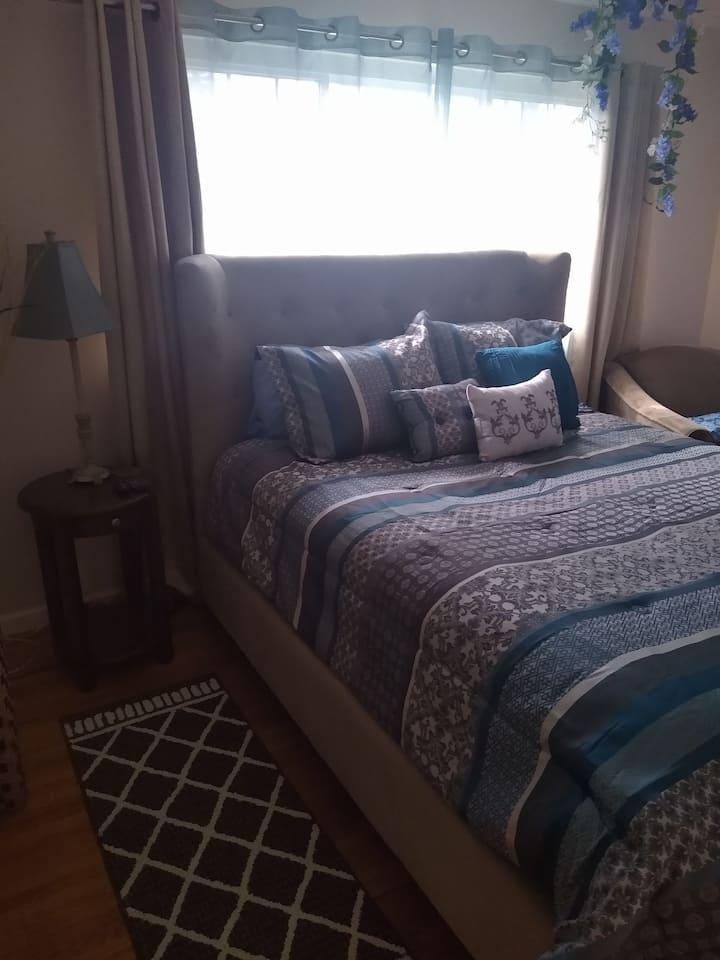 Private Queen-Size  Bedroom Suite