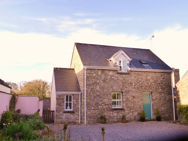 Super Cottage in Rural Coastal Hamlet, Hodgeston - Hodgeston - Haus