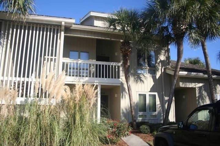 1BR Seascape Villa 3 min. walk to Beach