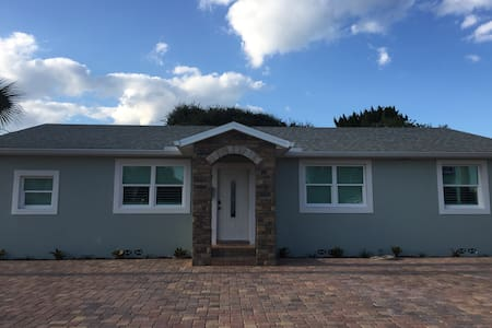 Brand new a block from the beach - Ormond Beach - Wohnung