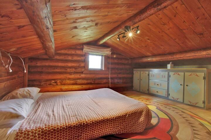 Bedroom #4 (mandala loft)