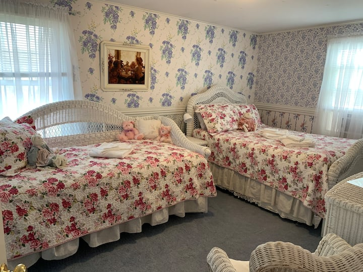 Darling Duchess Room