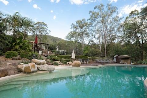 Romantic Bush Set Unit + Resort Pool , Tennis+ BBQ