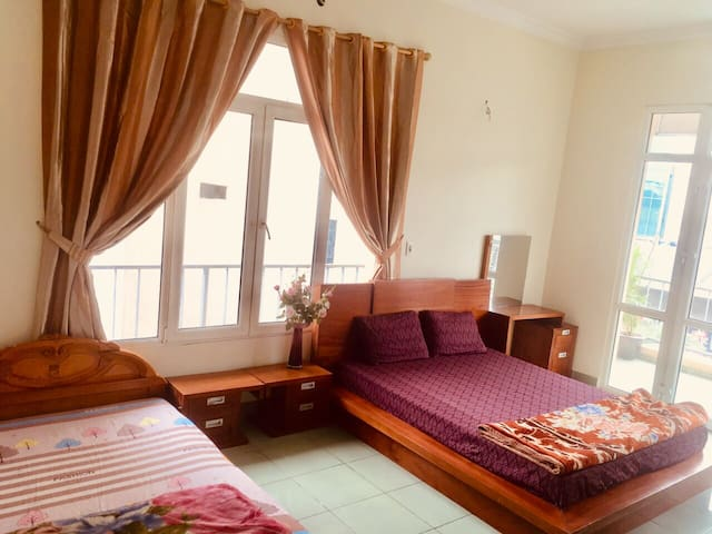 Free wifi big bedroom best location Hanoi