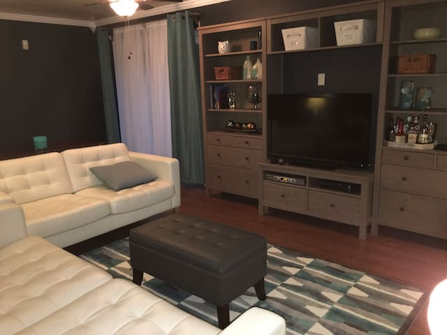 Cozy & Private Just Minutes to DC - Upper Marlboro - Apartmen