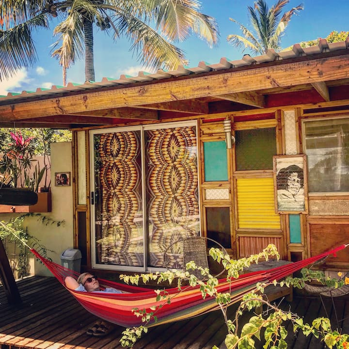 Funky James Brown private cabin in tropical oasis
