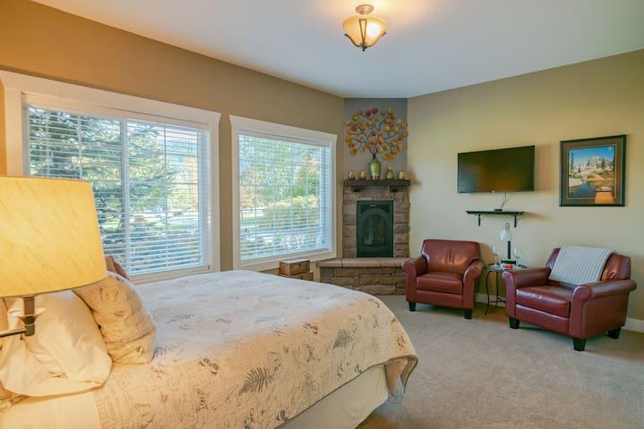 Granite Hills Inn-Aspen Suite w/ Fireplace/Jacuzzi