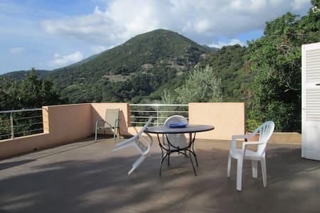 CORSE : Villa & studio indépendant. - House