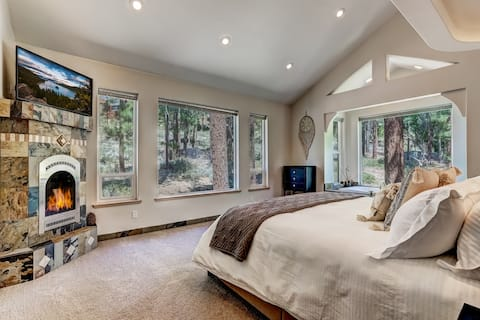 OPEN! Luxury 5BR w/Chef's Kitchen, Pool, Hot Tub!