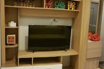 Smart TV 43' Android-based (HDMI cable to Laptop is provided as well)