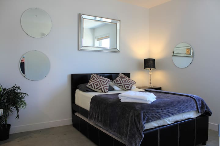 20% discount New Downtown Los Angeles 2beds/2bath