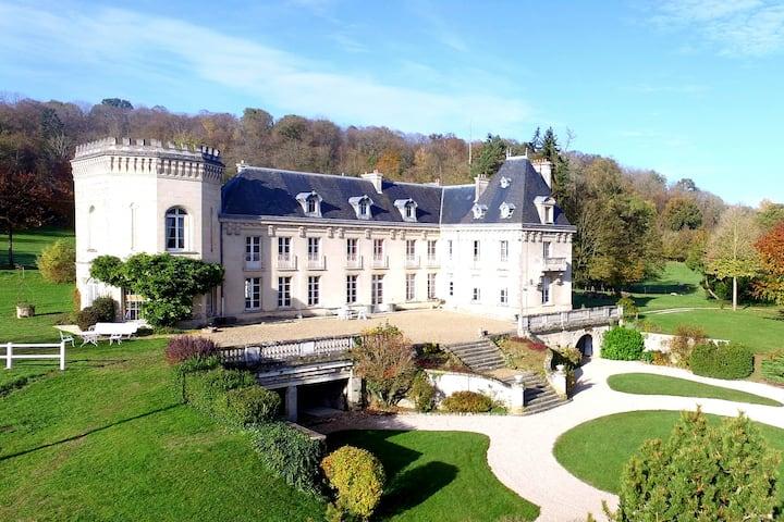 """Grand gîte privatisé """"La Quincy"""", à 1h30 de Paris"""