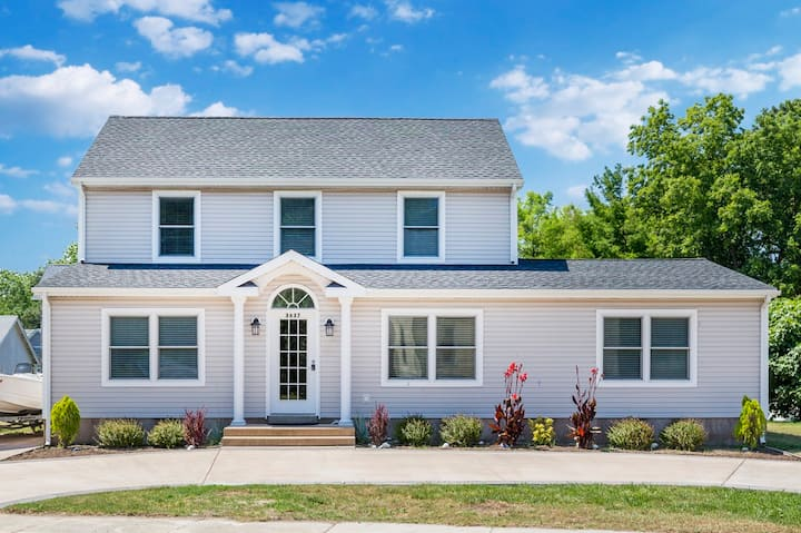 Albion- in the heart of Chincoteague Island!