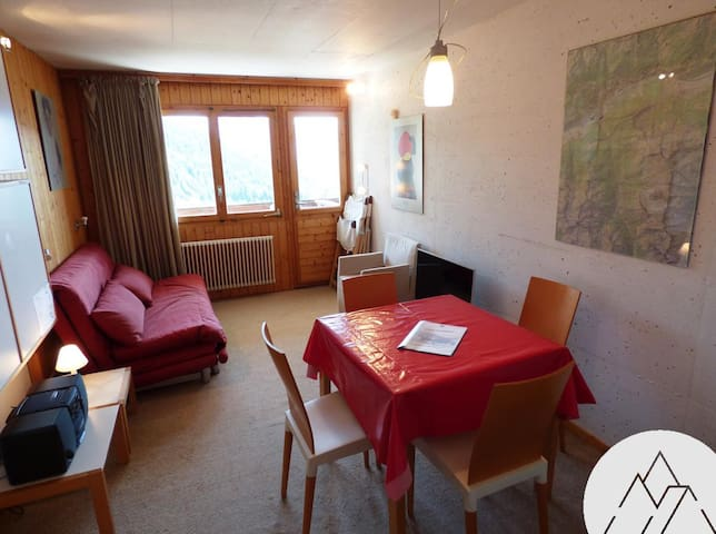SOLEIL 2000 B 06 - Nice apartment for 2 people, located in the center of Chandolin with a view on the Val d'Anniviers.