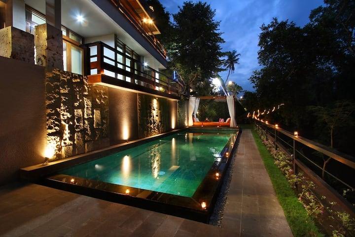 Hidden Seroja Luxury Villa -Free Bkfst & Nmax