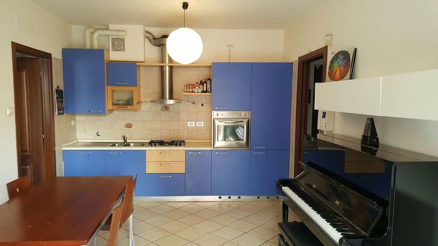 Bilocale con 50 mq di terrazzo - Sassuolo - Apartament