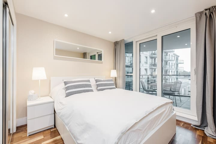 Apartment in Central London with great river views