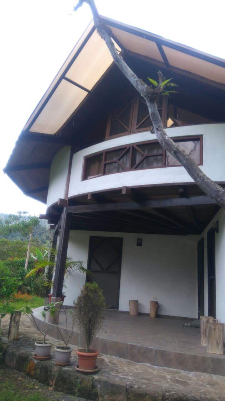 Special House with lovely garden in Mindo