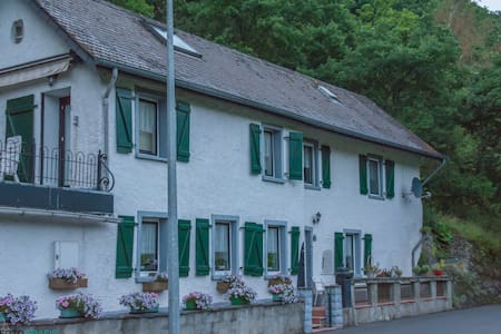 Idyllisch gelegen vankantiehuis - Kautenbach
