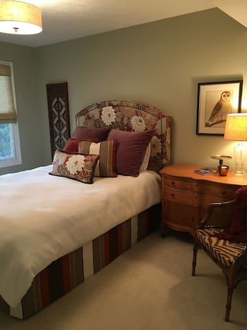 Private room minutes from Lake Michigan - Holland - Casa