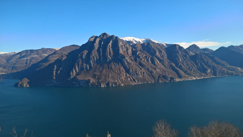 LAKE ISEO VIEW