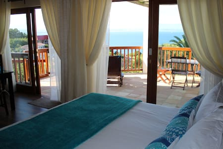 Aquamarine Self Catering Unit, with sea view patio - Mossel Bay