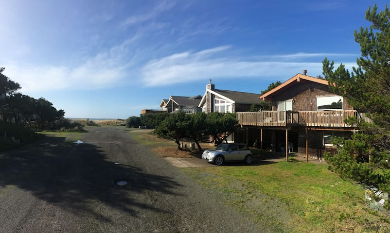 O'Connor Castle by the Sea - Manzanita - Casa