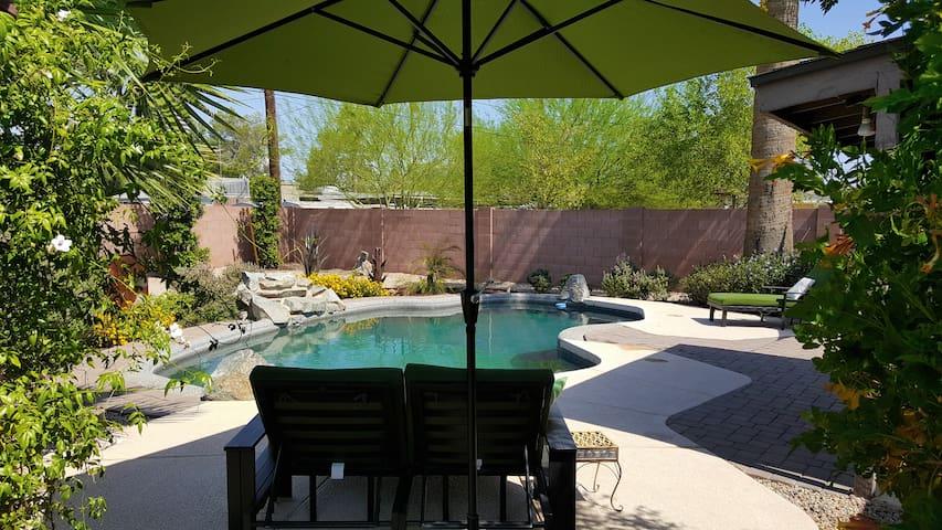 Artsy Dwntwn Private Home w/ Pool - Phoenix - Casa