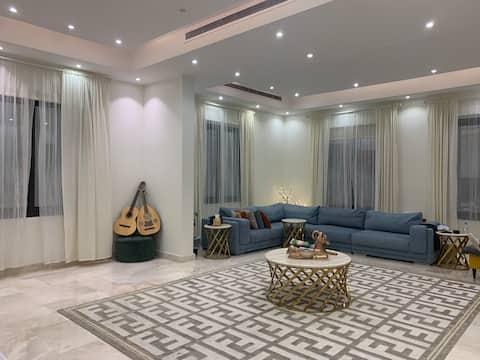 Luxury apartment near Alnahda King Abdulaziz Road