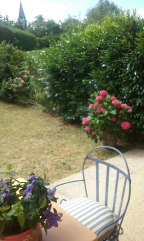 rez de jardin  au pied du semnoz , Annecy