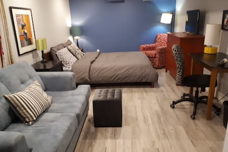 Great Comfortable Apartment in Downtown Kitchener