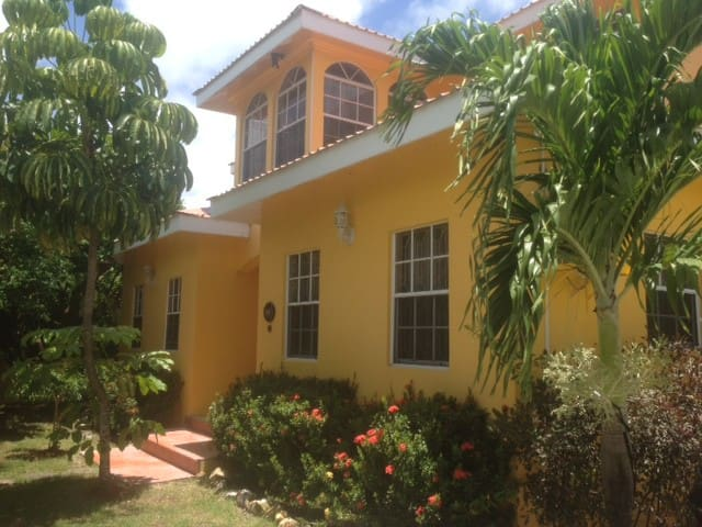 Beautiful House,Tourist Area Great Price Offer - Rodney Bay - House