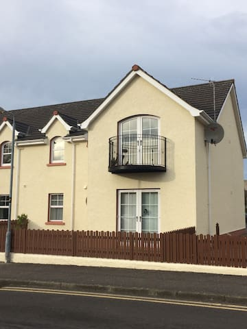 Beautiful coastal Apartment Ballycastle - Moyle - Leilighet