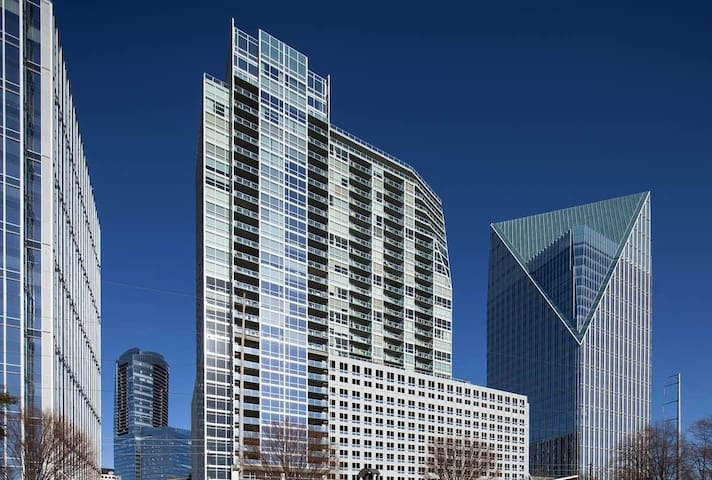 Prolific Panoramic View Buckhead Center Oasis