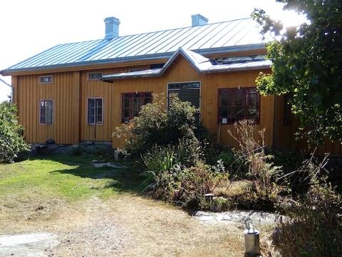 Attic room at pilot farm,vinttihuone luotsitilalla